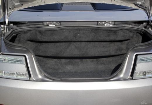 ASTON MARTIN Vantage roadster przestrzeń załadunkowa