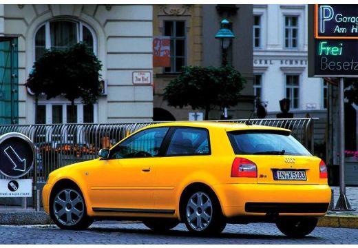 AUDI A3 /S3 8L II hatchback żółty tylny lewy