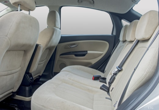 FIAT Linea I sedan wnętrze