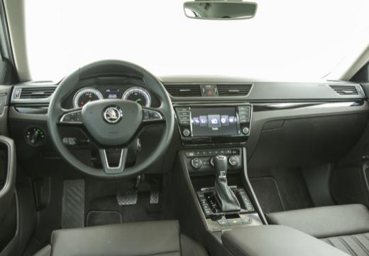 SKODA Superb III I hatchback tablica rozdzielcza