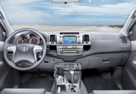 Toyota HiLux V pickup tablica rozdzielcza