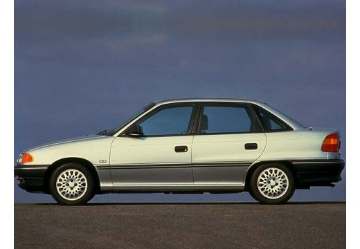 OPEL Astra 1.4 GL Sedan I 60KM (benzyna)