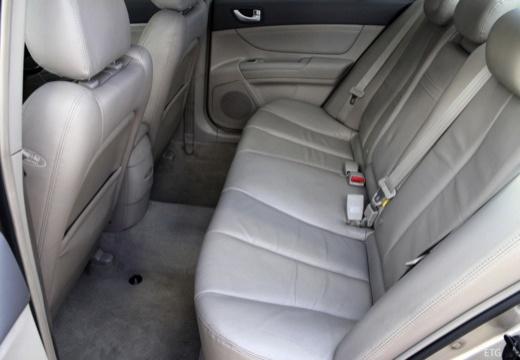 HYUNDAI Sonata VI sedan silver grey wnętrze