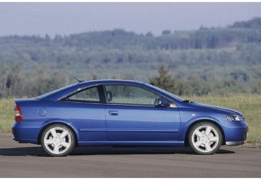 OPEL Astra coupe niebieski jasny boczny prawy