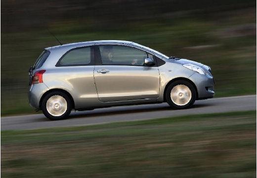 Toyota Yaris III hatchback silver grey boczny prawy