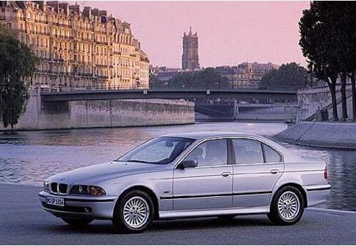 BMW 540i Sedan E39 4.4 286KM (benzyna)
