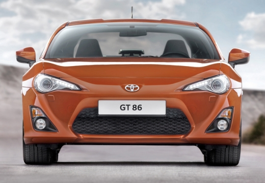 Toyota GT86 coupe pomarańczowy przedni