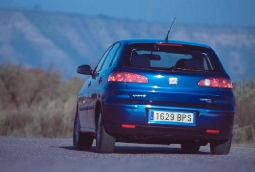 SEAT Ibiza IV hatchback niebieski jasny tylny lewy