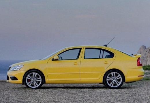 SKODA Octavia II II hatchback żółty boczny lewy