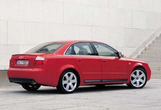 AUDI A4 8E I sedan czerwony jasny tylny prawy