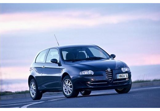 ALFA ROMEO 147 hatchback czarny przedni prawy