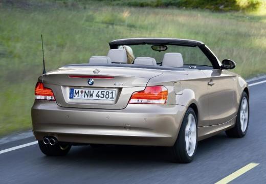 BMW Seria 1 Cabrio E88 I kabriolet beige tylny prawy