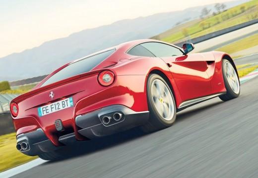 FERRARI F12 Berlinetta coupe czerwony jasny tylny prawy
