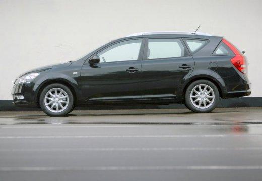 KIA Ceed Sporty Wagon II kombi czarny boczny prawy