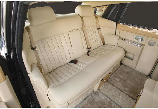 ROLLS-ROYCE Phantom sedan silver grey wnętrze