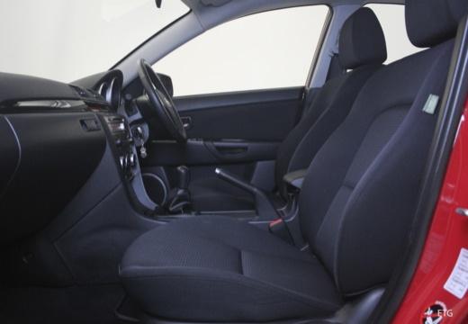 MAZDA 3 II sedan czerwony jasny wnętrze
