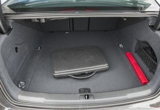 AUDI A6 C7 I sedan przestrzeń załadunkowa