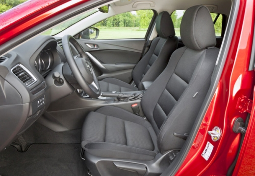 MAZDA 6 VI sedan wnętrze