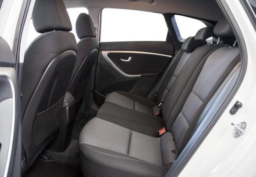 HYUNDAI i30 Wagon I kombi biały wnętrze