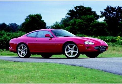 JAGUAR XK8 I coupe bordeaux (czerwony ciemny) przedni prawy