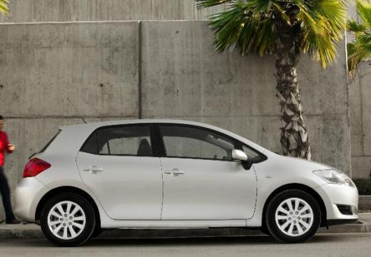 Toyota Auris I hatchback silver grey boczny prawy