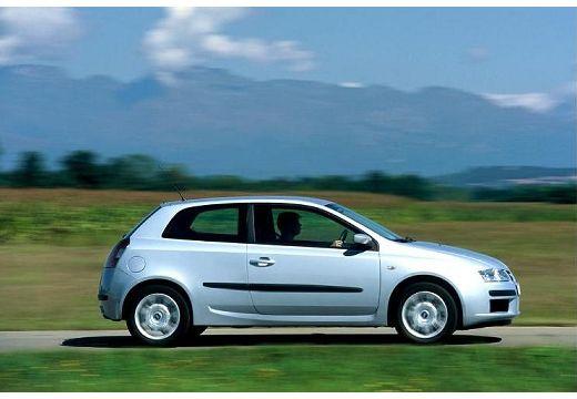 FIAT Stilo II hatchback biały boczny prawy