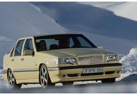 VOLVO 850 I sedan żółty przedni prawy