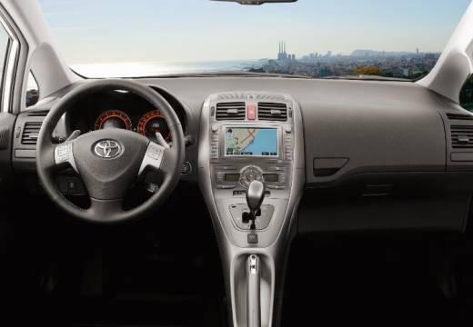 Toyota Auris I hatchback czarny tablica rozdzielcza