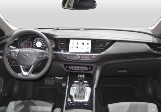 OPEL Insignia Grand Sport hatchback tablica rozdzielcza