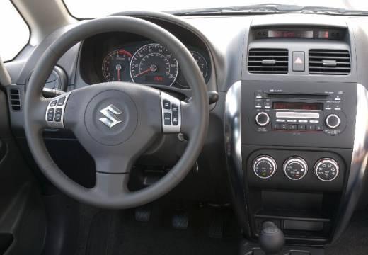 SUZUKI SX4 sedan silver grey tablica rozdzielcza