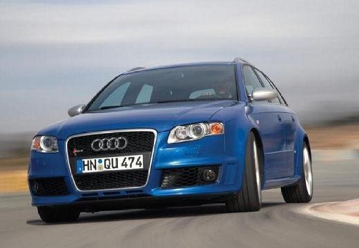 AUDI A4 Avant 8E II kombi niebieski jasny przedni lewy
