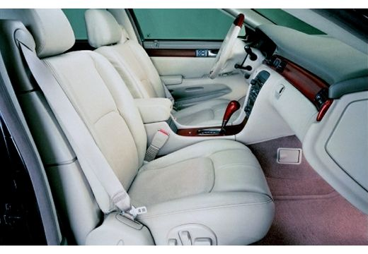 CADILLAC Seville sedan wnętrze