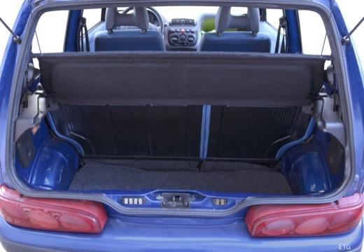 FIAT Seicento I hatchback czarny przestrzeń załadunkowa