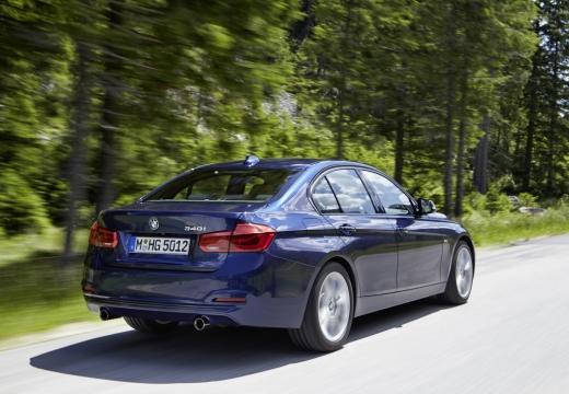 BMW Seria 3 F30/F80 sedan niebieski jasny tylny prawy