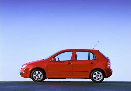 SKODA Fabia II hatchback czerwony jasny boczny lewy