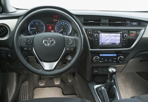 Toyota Auris kombi szary ciemny tablica rozdzielcza