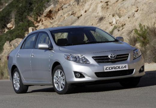 Toyota Corolla I sedan silver grey przedni prawy