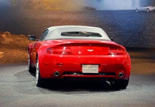 ASTON MARTIN Vantage roadster czerwony jasny tylny lewy