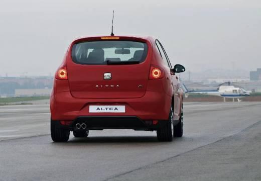 SEAT Altea I hatchback czerwony jasny tylny