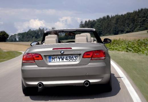 BMW Seria 3 kabriolet silver grey tylny