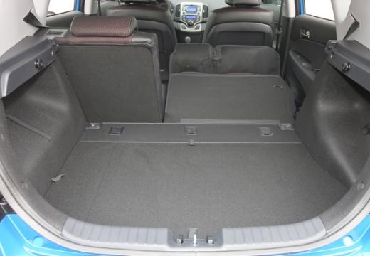 HYUNDAI i30 II hatchback przestrzeń załadunkowa