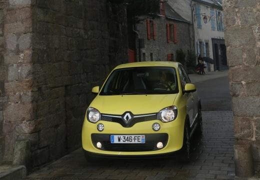 RENAULT Twingo VI hatchback żółty przedni