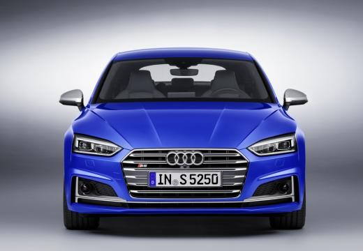 AUDI A5 Sportback III hatchback niebieski jasny przedni