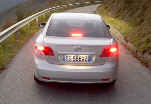 Toyota Avensis V sedan silver grey tylny