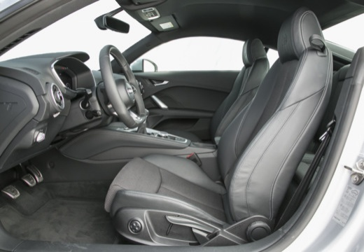 AUDI TT III coupe wnętrze