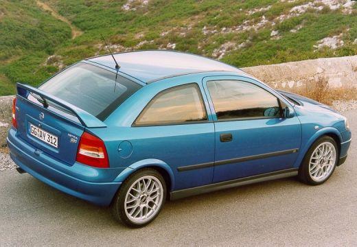 OPEL Astra II hatchback zielony tylny prawy