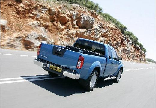 NISSAN Navara II pickup niebieski jasny tylny prawy