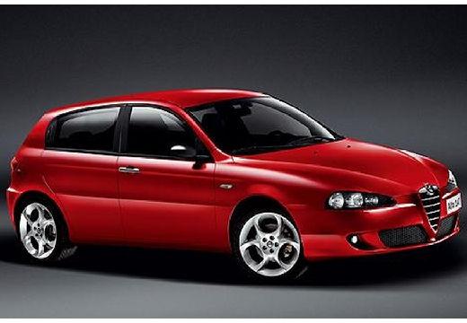 ALFA ROMEO 147 II hatchback czerwony jasny przedni prawy