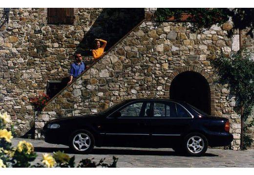 HYUNDAI Sonata III sedan boczny lewy