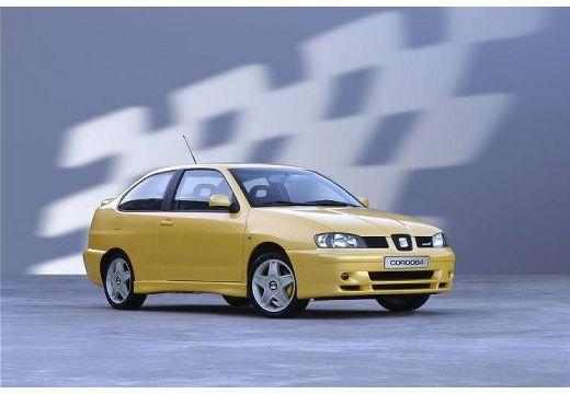 SEAT Cordoba coupe żółty przedni prawy